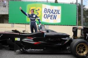 O norte-irlandês William Buller venceu a edição 2010 do F3 Brazil Open