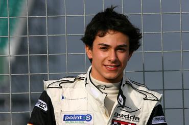 Derani faz em 2011 sua terceira temporada no automobilismo