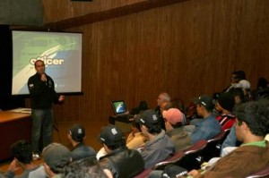 Alunos do Senai de Campo Grande (MS) assistem palestra de Duda Pamplona