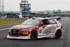Os Audi A3 Sport são preparados pela MC Tubarão