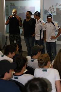 Jean Zamboni (esq.) e Anderson Fernandes também usaram a Stock Car em suas aulas