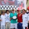 Sérgio Sondermann (centro), pai de Gustavo, entregou troféus aos campeões