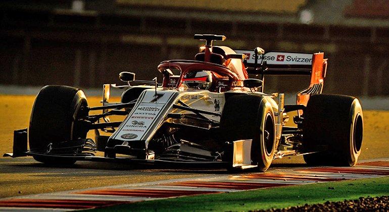 Kimi Räikkönen renasce junto com a equipe Sauber, agora rebatizada Alfa Romeo (Alfa Romeo Racing)