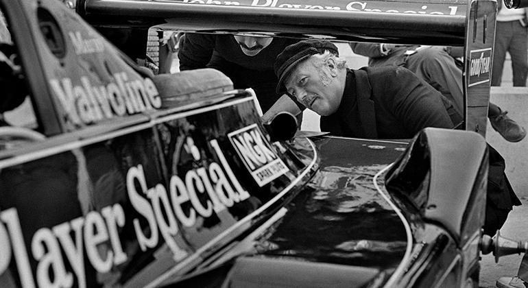 Colin Chapman, criador da marca Lotus, foi um dos grandes inovadores da categoria (Red Bull)