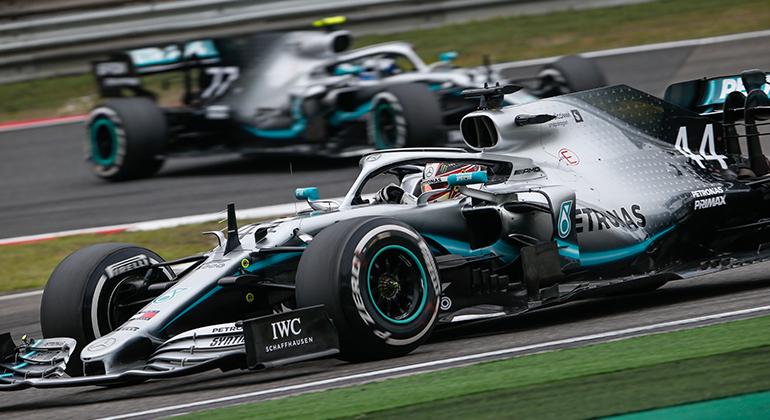 Mercedes fez três dobradinhas em três provas. Hamilton Lidera campeonato (Mercedes)
