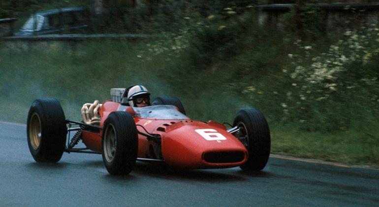 O Ferrari 312 e John Surtees eram favoritos ao título de 1966. Essa parceria acabou após a vitória em Spa (Ferrari)