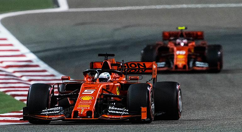 Quatro vezes campeão mundial, Vettel é o primeiro piloto da equipe mas sofre pressão de Leclerc (Ferrari)