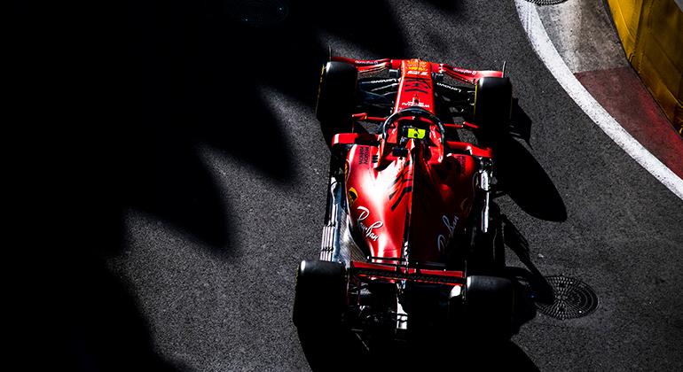 O novato Charles Leclerc voa cada vez mais alto: fez duas voltas mais rápidas em quatro corridas (Ferrari)