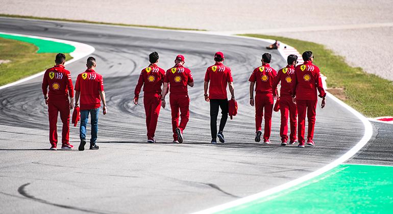 20190511-COLUNA-Ferrari-Crw-Trackk-Ferrari