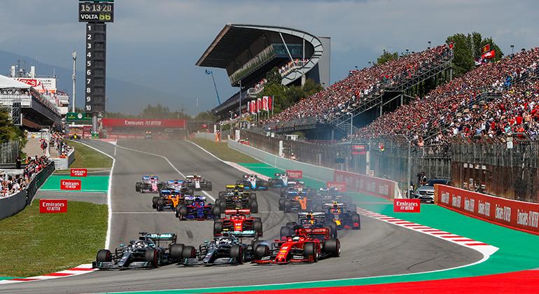 Mercedes largaram da primeira fila e lideraram de ponta a ponta na Espanha (Mercedes)