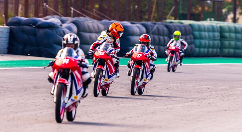 Categorias de base, como a Júnior Cup, contribuem para formar pilotos (Sandro de Souza)