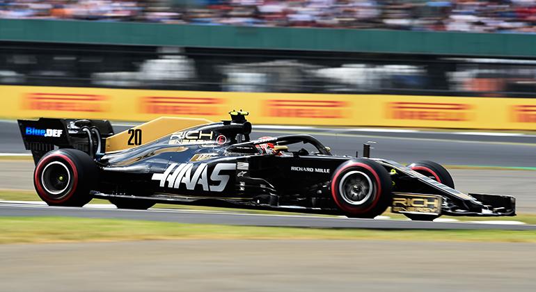 Carros da Haas mantém o logo do patrocinador que prometeu mas não entregou (Haas F1)