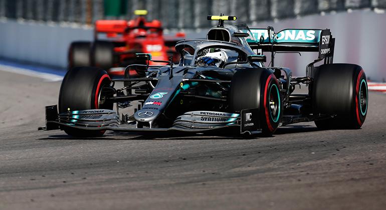 Valtteri Bottas e Charles Leclerc serão protagonistas da disputa pelo vice-campeonato de 2019 (Mercedes)