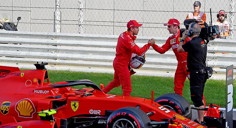 Leclerc largou na pole e acreditou no acordo com Vettel, que alinhou em terceiro no grid de Sochi (Ferrari)
