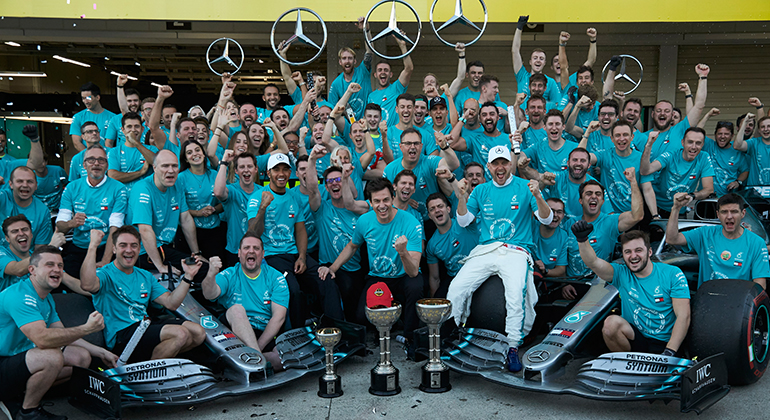 Título de Construtores, sexto consecutivo, chega com quatro provas de antecipação (Mercedes)