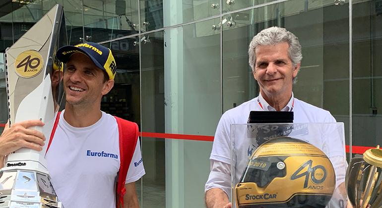 Daniel (E) e Chico Serra: filho e pai somam seis títulos na Stock Car (Wagner Gonzalez)