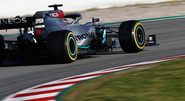 Lewis Hamilton foi o piloto que mais andou: completou quilometragem equivalente a sete GPs (Mercedes)