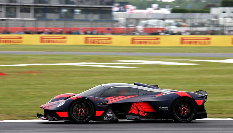 Superesportivo Valkyrie foi abortado com a fusão da Racing Point com Aston Martin (RBCP/Getty Images)