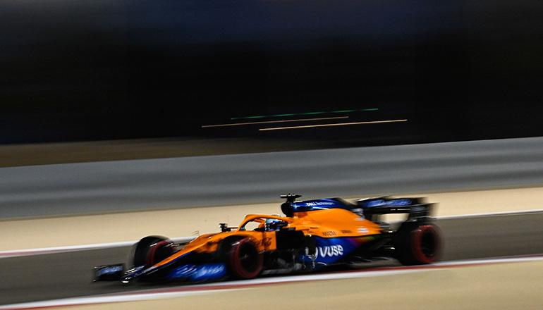 Boa estreia de Daniel Ricciardo pela McLaren, que acertou na adaptação do MCL35-M (McLaren)
